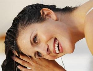 смыть краску с волос можно растительным маслом